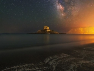 Photo Credit: Αντίθετος Μελουργος