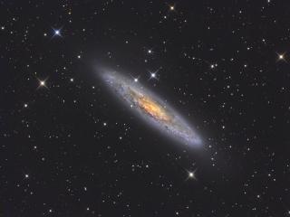 Ο Γαλαξίας Silver Coin (NGC 253), στον αστερισμό του Γλύπτη είναι μέσα στην πρώτη δεκάδα της λίστας γαλαξιών κάθε παρατηρητή.