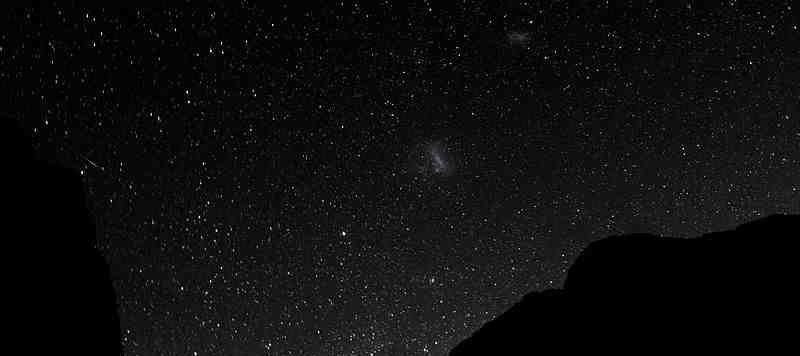 Το Μεγάλο και το Μικρό Νέφος του Μαγγελάνου από την Νέα Ζηλανδία.